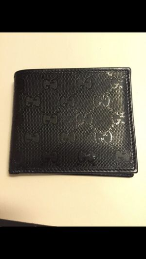 Gucci wallet for Sale in Malden, MA