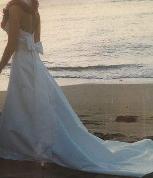Wedding Gown - size 6 for Sale in Sanger, CA