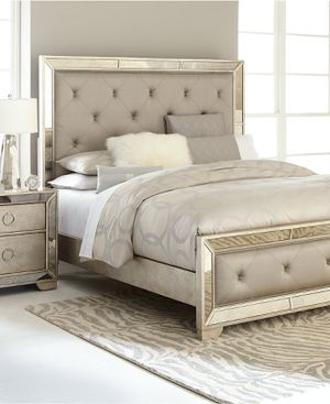 All NEW queen ava 4pc luxury mirrored bedroom set /Retails $4k! for Sale in San Jose, CA