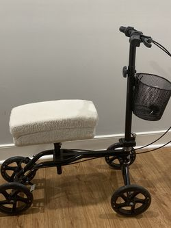 Knee Scooter With Padded Seat for Sale in Washington,  DC