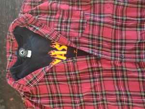 Men's XL flannel and t-shirt for Sale in Palmdale, CA