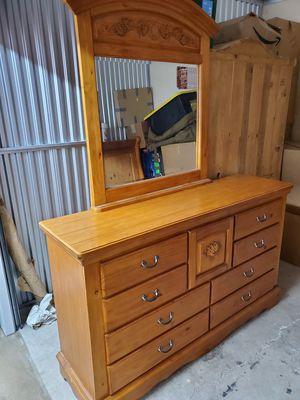 Carved Pine design Bedroom set for Sale in Colorado Springs, CO