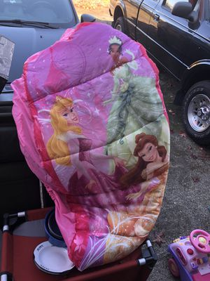 Disney princess air mattress and sleeping bag together for Sale in Vancouver, WA