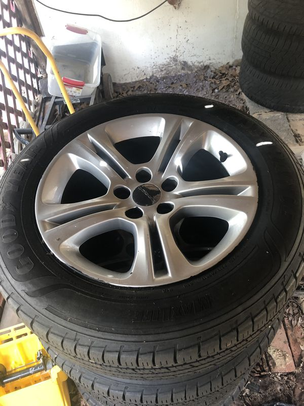 Dodge Charger 2016 wheels