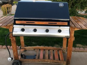GRILL ASAdOR BBQ for Sale in Phoenix,  AZ