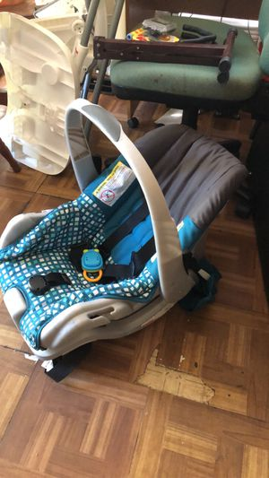 Car seat with base for Sale in Orange Beach, AL