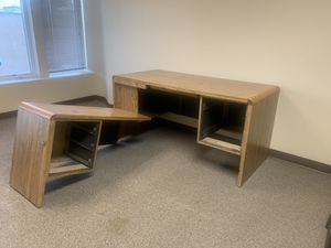 L shaped desk for Sale in Colorado Springs, CO