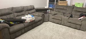 L shaped section couch for Sale in Concord, CA