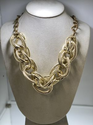 Big gold chain Necklace for Sale in Chicago, IL