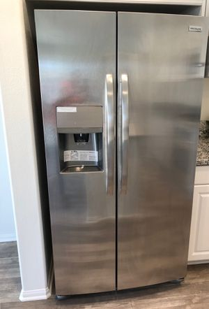 Brand new Frigidaire Refrigerator NEVER USED with warranty for only $900 market price more than$1200 for Sale in Ontario, CA