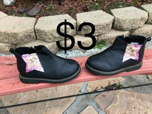 Girls Oshkosh boots size 6 for Sale in Hemet, CA