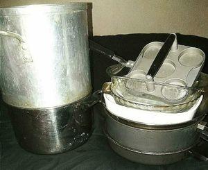 POT/PANS/LIDS/PIE PANS/CASSEROLE DISH for Sale in Stockton, CA