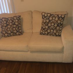 Pullout Couch & Love Seat for Sale in Altamonte Springs,  FL
