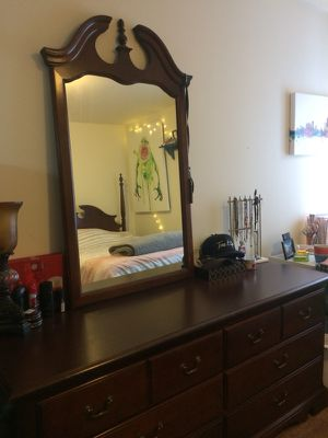 Thomasville queen bedroom set for Sale in Oscoda Township, MI