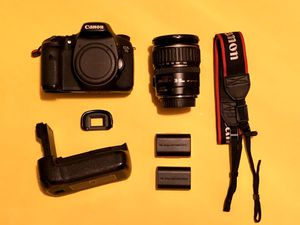 Canon EOS 7D 18.0 MP Digital SLR Camera - Black W/EF-S IS 28-135mm Lens for Sale in San Antonio, TX