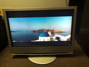 SONY TV 32 inch Like new!!! No remote control!!! for Sale in Medford, MA