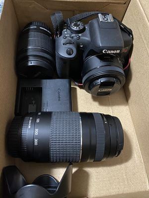 Canon EOS Rebel T6i Camera w/ 3 Lenses, Neck strap and Battery plus Battery Charger for Sale in San Lorenzo, CA