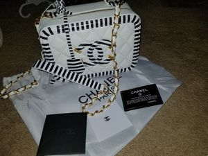 Chanel vanity bag for Sale in Tampa, FL