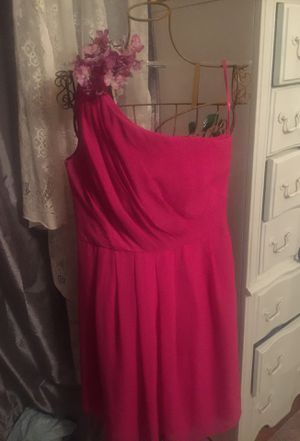 Hot pink designer formal dress one shoulder out livery dill lined chiffon layered pleated front zip back modest length pristine !sz10 white black des for Sale in Northfield, OH