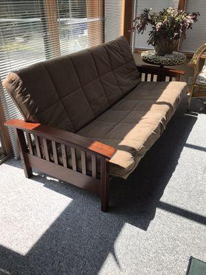 Futon in Perfect condition for Sale in Tacoma, WA