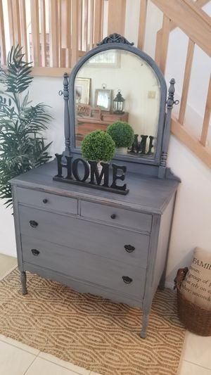 DRESSER W 4 DRAWERS/(MIRROR IS INCLUDED)/VANITY/ENTRYWAY/ACCENT TABLE for Sale in Chino Hills, CA