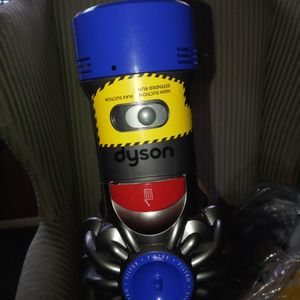 Dyson V7 Motor Head Coress Stick Vacuum. Branf New for Sale in Aberdeen, WA