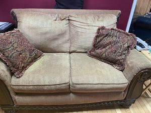 Loveseat for Sale in Temple Hills, MD