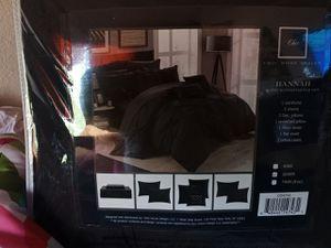 New 10 piece comforter set Queen for Sale in Anaheim, CA
