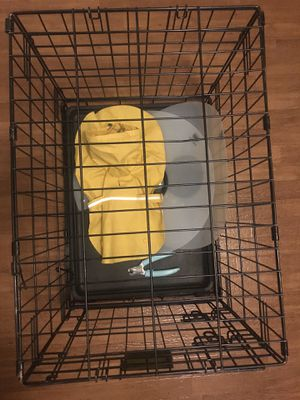 Petco Dog 🐶 Crate for Sale in Bowie, MD