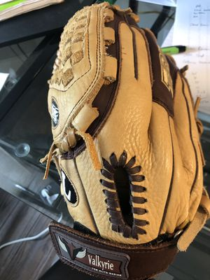 "12"" softball glove- for left-handed thrower for Sale in Ijamsville, MD"