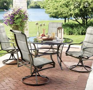 Statesville 5 pc dining set (Brand new) for Sale in Dearborn Heights, MI