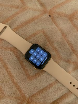 Apple Watch series 5 40mm for Sale in Bristol, CT