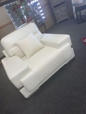 Chair in white color on sale 🎈🎈🎈$299 ready for pickup 5301 n Blackstone ave Fresno ca 93710 for Sale in Fresno, CA