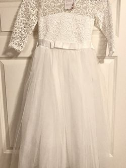 White Flower Girl Dress for Sale in Marysville,  WA