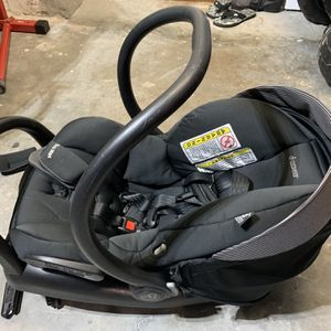 Maxi Cosi car seat for Sale in Miami, FL