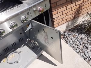 New grill from Home Depot cost me $600 six-burner Shona from 450 brand new never used for Sale in West Valley City, UT