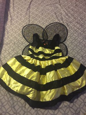 Girls bumble bee Halloween costume with wings size 6X for Sale in Anaheim, CA
