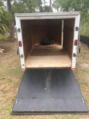 6x12 enclosed trailer. for Sale in Loxahatchee, FL