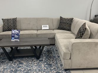 Light Grey Comfy Sleeper Sectional NO CREDIT TO FINACE for Sale in Irving,  TX