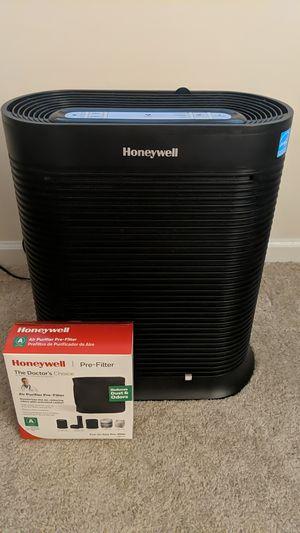 Air purifier HPA300 - W/Prefilters for Sale in Marietta, GA