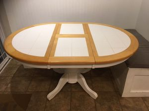 Round Kitchen Table for Sale in Oregon City, OR