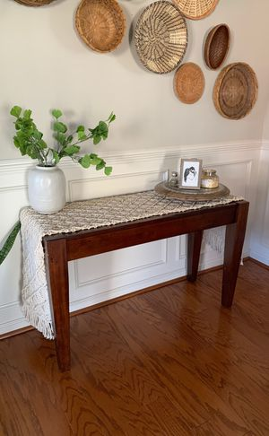 Beautiful Mahogany Side Table, Great Condition for Sale in Leesburg, VA