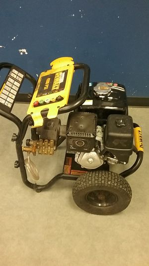 4000 PSI Dewalt pressure washer for Sale in Redmond, WA