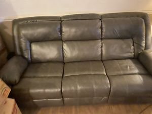 Brown leather couch for Sale in Spring Hill, FL