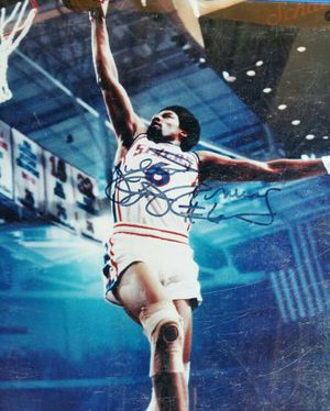 """Julius Erving Autographed ''Julius Erving Dr. J Erving #6"""" Philadelphia 76ers 16x20 Photograph for Sale in Smyrna, GA"""