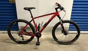 2014 GIANT XTC 2 27.5 20-SPEED HYDRAULIC DISC MOUNTAIN BIKE. EXCELLENT CONDITION! for Sale in Miami, FL