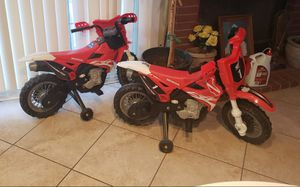 (Used) Honda Motorcycles w/ Training wheels for Sale in Palmdale, CA