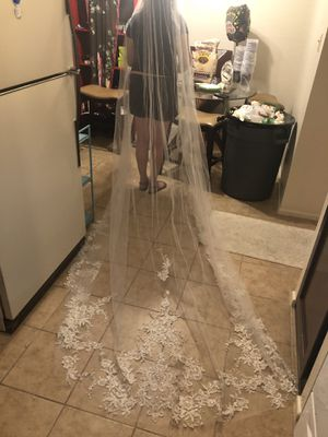GORGEOUS BRAND NEW-WEDDING VAIL 10ft for Sale in Scottsdale, AZ