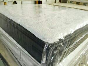 King new pillow top thick bed can deliver for Sale in Tampa, FL