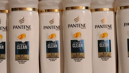 Pantene 2in1 Shampoo Conditioner Bundle for Sale in Austin,  TX